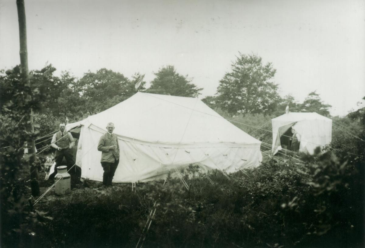 MK Kampement van Giften 1922 bij opgraving Hunebed Rysterbosk 2e versie